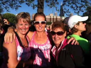 Ran into Lisa, Em and Karen before the race too (stole the pic from Lisa's fb page!)